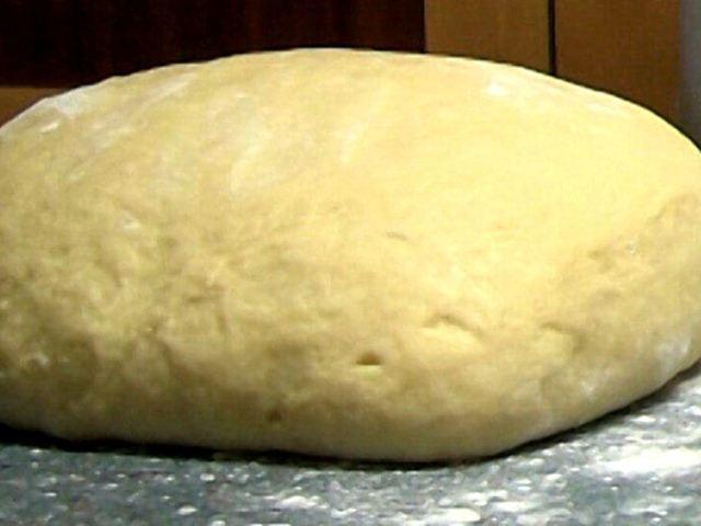 Здобне тісто для булочок на дріжджах, саме смачне і ніжне: секрети приготування булочок, як приготувати опарним, безопарним, заварним і листковим способами