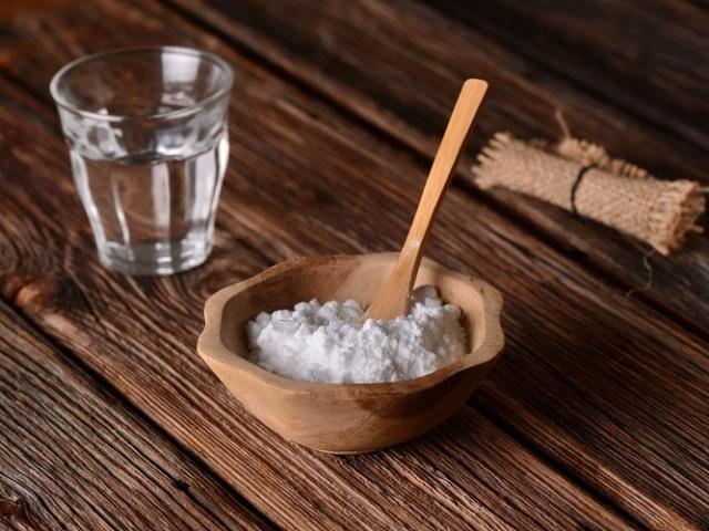 Корисно чи шкідливо пити харчову соду кожен день? Які можуть бути наслідки, якщо кожен день пити харчову соду або випити її у великій кількості за один раз? Чи можна і як пити питну соду кожен день натщесерце, вранці, при схудненні?