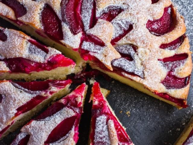 Пиріг в мультиварці: солодкі рецепти з бананами, сухофруктами, ягодами, цитрусовими, яблуками, грушами, вишнями, манго