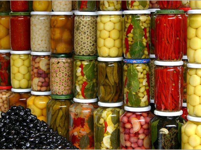 Місячний календар для консервування і домашніх заготовок на зиму 2019 року: таблиця по місяцях. Сприятливі і несприятливі місячні дні для варіння варення, збору врожаю, консервування, заморожування фруктів і овочів, грибів у 2019 році: таблиця