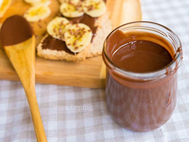 Приготування солодкої шоколадної пасти, типу Нутелла в домашніх умовах з горіхами і без горіхів, з шоколадом, кава: смачні рецепти
