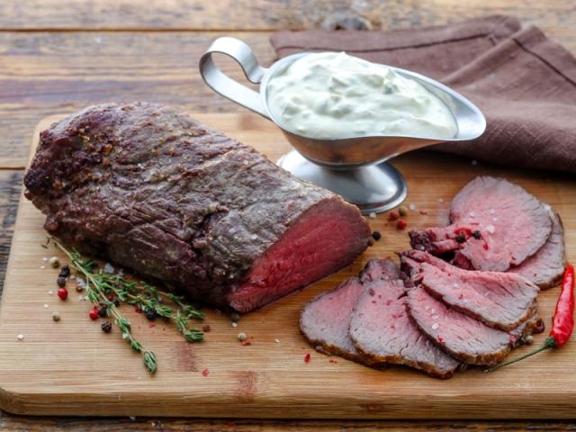 Як правильно посмажити соковитий стейк з яловичини та мармурової яловичини на звичайній сковороді, сковороді гриль в духовці, мультиварці, на мангалі: кращі рецепти. Потрібно маринувати, відбивати стейк з яловичини, як зробити його м'яким? Коли потрібно с