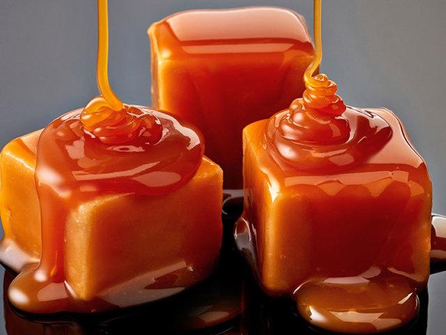 Як зробити карамель в домашніх умовах: найкращі рецепти солоної, льодяникової, м'якою, рідкої, вершковою, молочної, шоколадною, фруктової, апельсинової, прозорою, вибуховий, жувальної карамелі, з начинкою