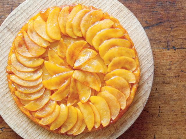 Кращі рецепти яблучного пирога листкового, пісочного, холодцю, сирного, дріжджового, пісного, заварного. Як приготувати тісто, яблучну начинку і крем для домашнього яблучного пирога?