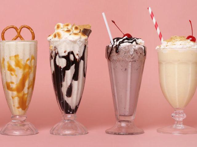 Коктейль молочний в домашніх умовах в блендері: кращі рецепти. Як зробити молочний коктейль будинку з морозивом, фруктами, соком, сиропом, варенням, шоколадом, какао, кави?