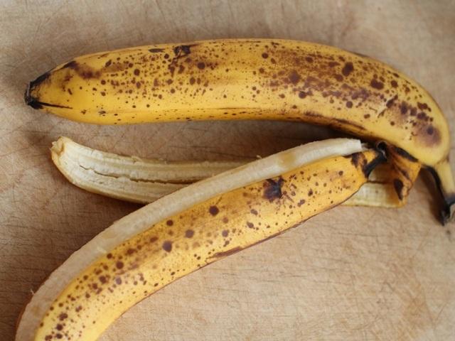 Що буде, якщо закип'ятити банан з корицею і випити цю воду на ніч, перед сном? Напій з банана з корицею і водою: користь і шкода, відгуки