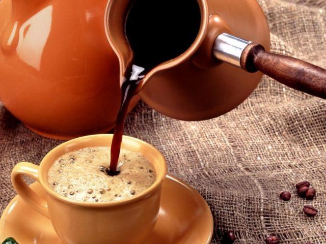 Кава: колекція кращих рецептів. Секрети приготування смачної кави в турці і кавомашині в домашніх умовах. Навіщо до кави подають холодну воду?