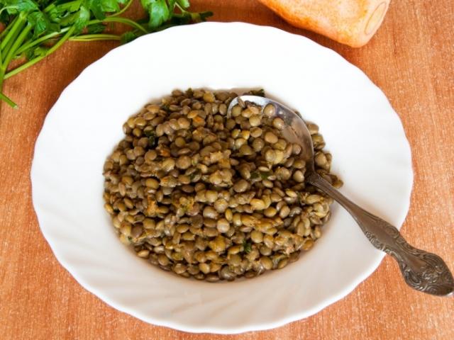 Пісні та вегетаріанські другі страви і начинка для пісної випічки з сочевиці: найкращі рецепти, фото