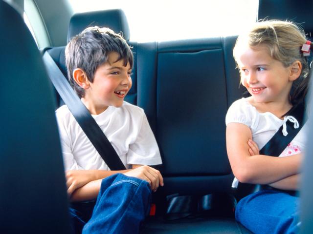 Що робити, щоб не заколисує в транспорті: таблетки, народні рецепти, браслет від заколисування в транспорті для дітей і дорослих, інструкції, поради