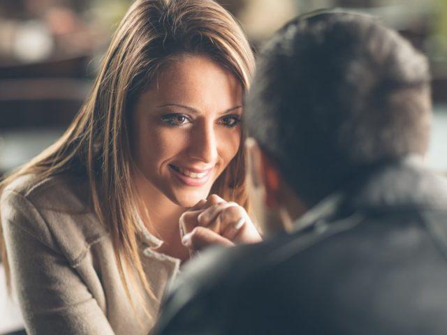 Як підняти настрій дівчині, подрузі, коханій жінці: практичні поради. Як підняти настрій дівчині по листуванню, в соцмережах, ВКонтакте?