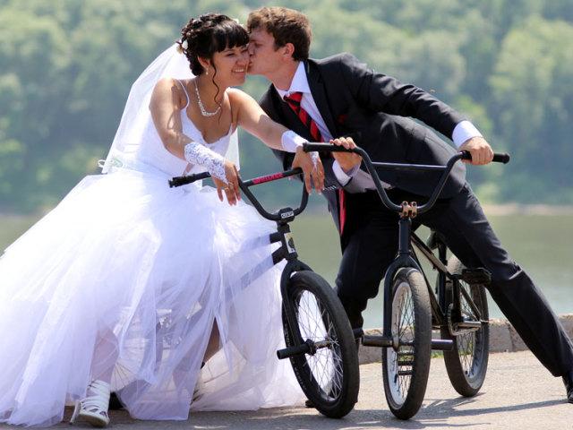 Коли святкують всесвітній День поцілунків? Всесвітній День поцілунків: історія свята, незвичайні факти, рекорди, пов'язані з поцілунками. Види поцілунків: опис