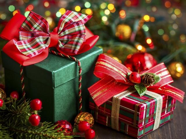 Що подарувати дитині хлопцеві на Новий рік: ідеї подарунків, фото. Який подарунок подарувати маленькій дитині хлопчикові, дошкільнику, першокласнику, підлітку на Новий рік? Що подарувати хлопцеві на Новий рік недорого: ідеї недорогих подарунків, іграшок