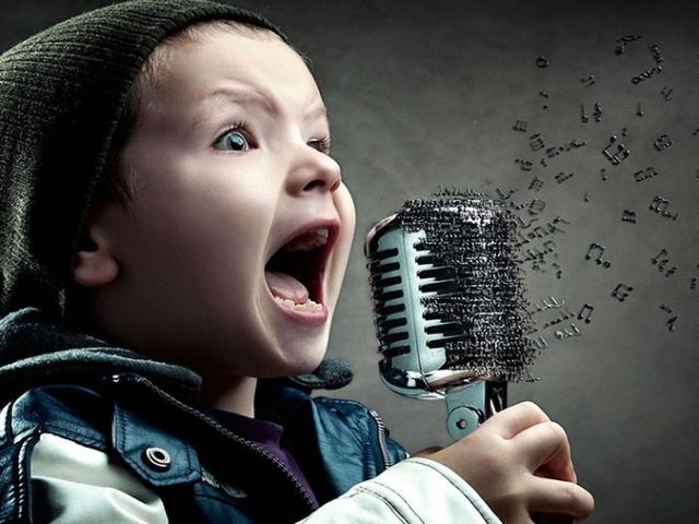 Перероблені смішні, жартівливі пісні на День народження і ювілей чоловіка, тата, чоловіка, хлопця, друга, брата: слова, тексти