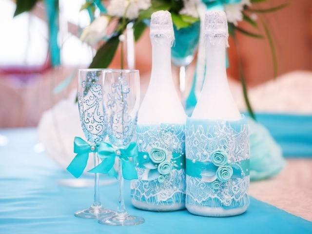 18 років спільного життя в шлюбі: яке весілля, як називається? Що подарувати чоловікові, дружині, друзям, батькам на бірюзову весілля 18 років? Привітання з річницею бірюзовою весілля 18 років красиві, зворушливі, прикольні у віршах і прозі