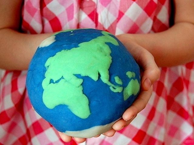 Виріб — модель земної кулі, глобус з пластиліну своїми руками з дитиною: покрокова інструкція, опис, відео, фото. Як зробити глобус з пластиліну і дроту, ниток поетапно? Кращі вироби глобуса своїми руками: фото