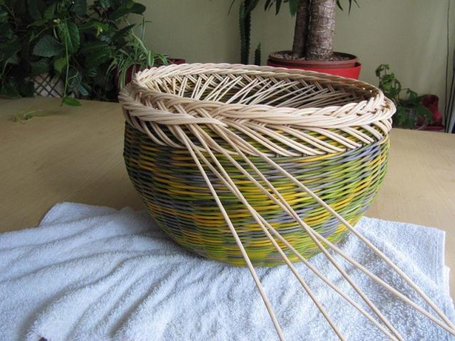 Плетіння з газетних трубочок для початківців покроково: техніка плетіння, майстер-клас, фото. Плетіння кошиків, скриньок, коробок з газет для початківців: схеми, загинання, фото