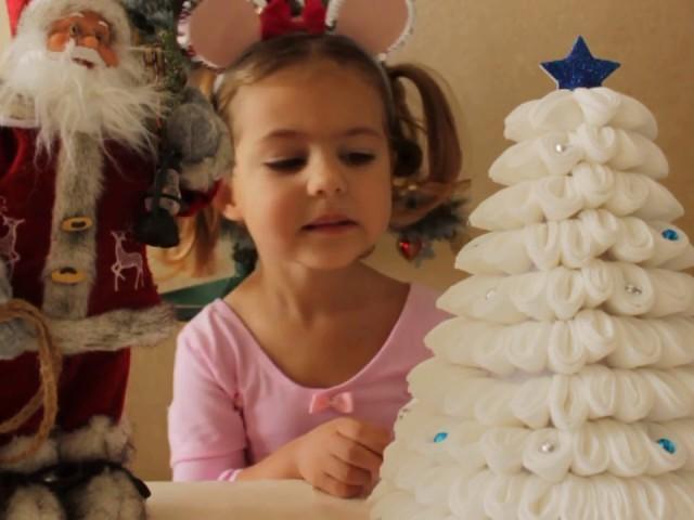 Виріб ялинка з ватяних дисків своїми руками: ідеї, покрокова інструкція з фото, відео. Красива новорічна ялинка з ватяних дисків – аплікація, на листівці, картоні, папері, плоска, об'ємна: виготовлення для дітей в дитячий садок, школу, для прикраси