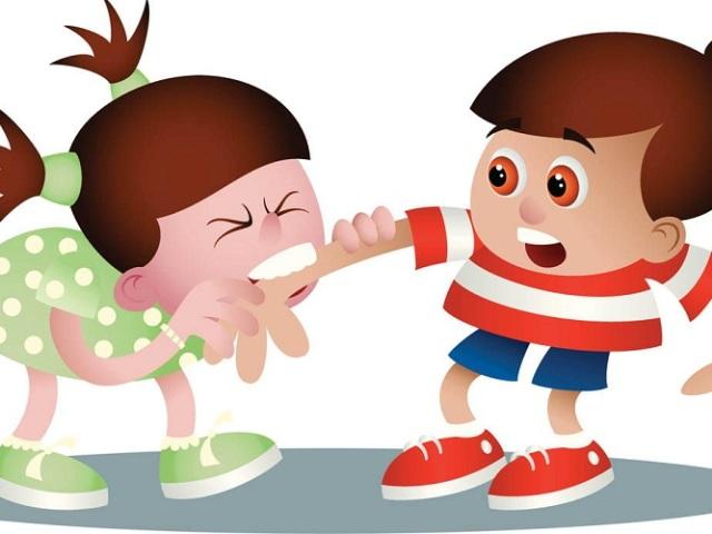 Що робити, якщо дитина б'ється, кусається в дитячому садку: практичні настанови, поради психолога