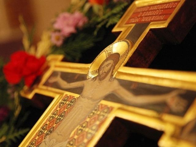 Молитви в піст перед Великоднем — на кожний день, перед їдою, у ранковий і вечірній час