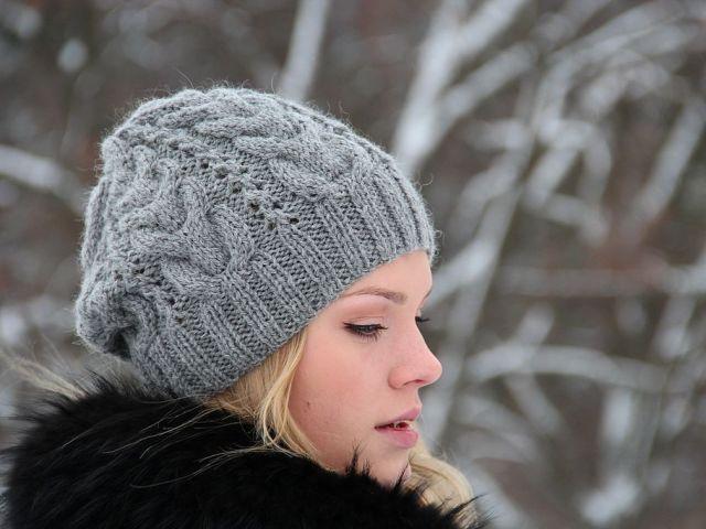 Модні вязані жіночі шапки в техніці бріош: схеми в'язання. Як зв'язати стильну жіночу шапку чалма, тюрбан, з косами: опис зі схемою, візерунки
