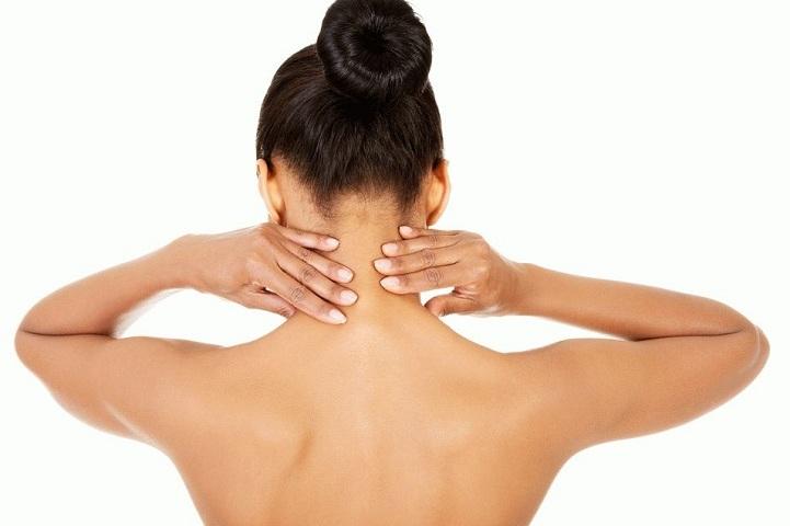 Як робити масаж шиї собі: основні прийоми та техніки самомасажу
