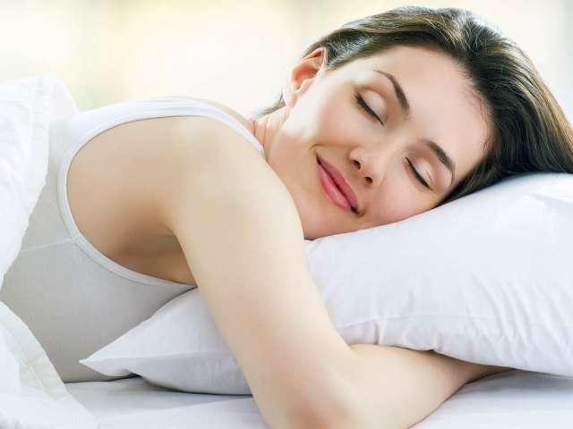 Що робити, коли не можу заснути без снодійного? Як легко і швидко заснути за 1 хвилину, 5 хвилин вночі, якщо не спиться, як позбавитися від безсоння і виспатися: поради, рекомендації, засоби, методи. Що допомагає заснути дуже швидко: метод спецназу