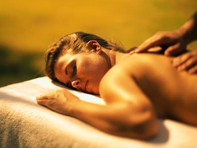 Що таке тантричний масаж для чоловіка і для жінки? Тантричний еротичний масаж лінгама і йоні: техніка, показання, користь і протипоказання