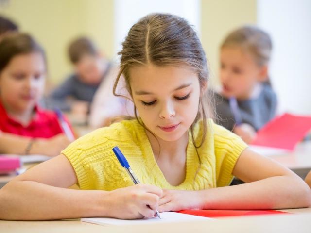 Як швидко навчити дитину грамотно писати диктанти: 5 секретів грамотного письма. Що потрібно робити, щоб дитина грамотно писав без помилок: рекомендації досвідченого педагога