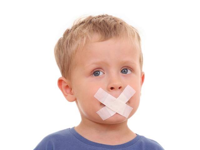 Дитина в 3, 3.5 року не розмовляє зовсім або дуже погано незрозуміло говорить, тільки склади: причини, лікування. Як навчити розмовляти дитини в 3 роки: вправи, ігри, розвиваючі заняття. Дитина в 3, 3,5 року не розмовляє — що робити: