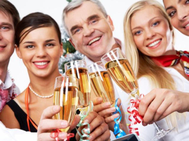 Які слова треба говорити, коли даруєш на весілля, ювілей, день народження? Слова при врученні грошового подарунка в віршах і прозі