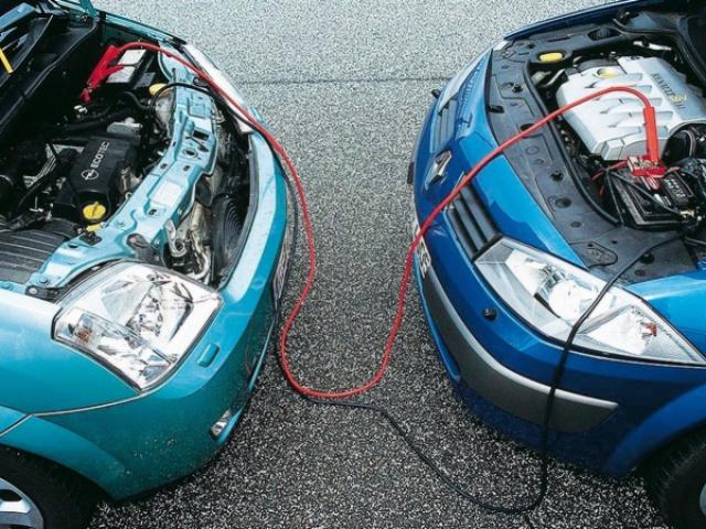 Як правильно прикурити автомобіль від іншого автомобіля або акумулятора? Як правильно підключити дроти, щоб прикурити автомобіль: схема. Можна прикурити дизельний автомобіль?