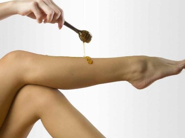 Як і чим можна прибрати, відмити віск з шкіри тіла та клейкість після депіляції: способи, рецепти, поради, рекомендації