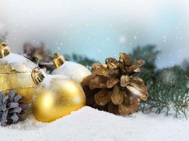 Як зробити новорічні кулі з ватяних дисків, паличок, вати: покрокова інструкція, опис, фото. Ідеї красивих новорічних іграшок своїми руками з ватяних дисків, паличок, вати: фото