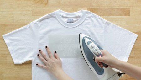 Як правильно гладити футболку?