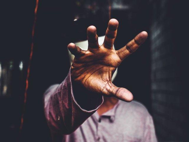 Як визначити самостійно, що на тобі: псування або пристріт? Псування і пристріт: подібності та відмінності