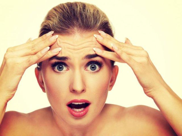 До чого свербить лоб по днях тижня у жінок, чоловіків: прикмети, значення
