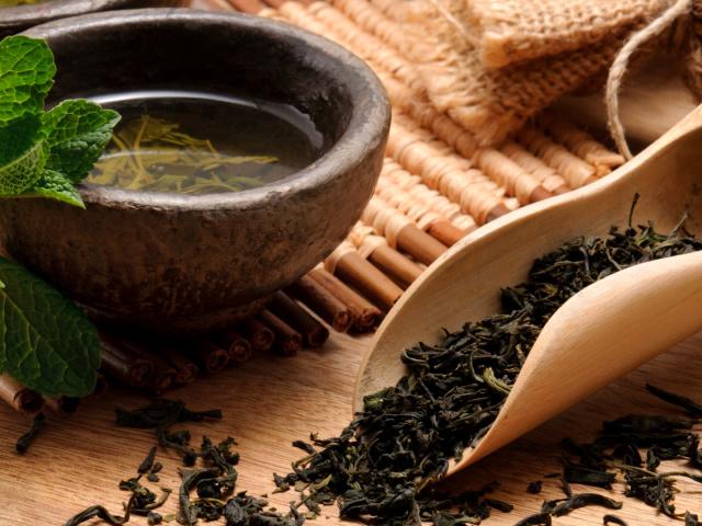 Китайський чай Кудін: характеристика, користь і шкоду, інструкція з заварювання і вживання, поради лікарів, відгуки