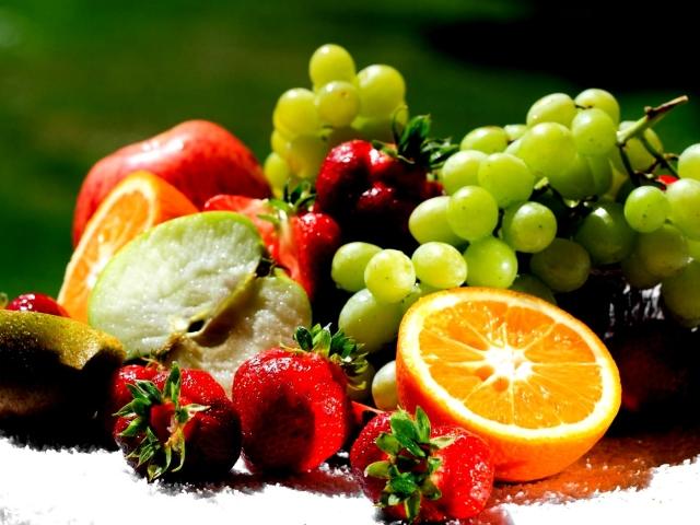 Вуглеводи в солодких ягодах і плодах: список. Навіщо потрібні вуглеводи? Які бувають вуглеводи?