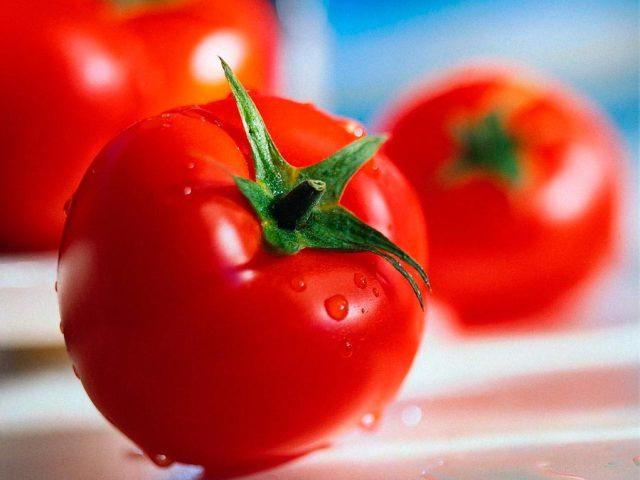 Можна їсти помідори годуючій мамі при грудному вигодовуванні немовляти солоні, свіжі, запечені, жовті? Коли можна їсти помідори при грудному вигодовуванні? Помідори при грудному вигодовуванні – Комаровський: відео