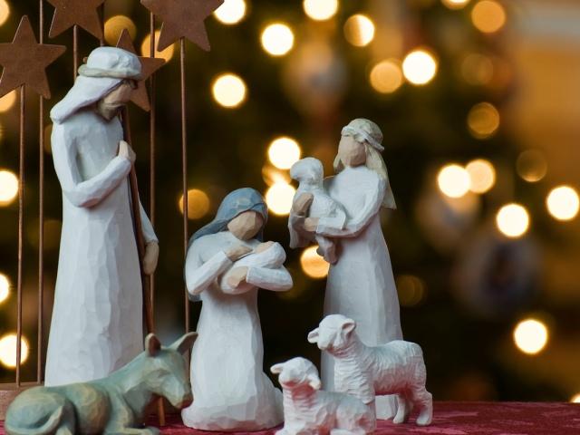 Як зустрічати Старий Новий рік, Різдвяний Святвечір, Різдво: святковий стіл, рецепти страв, колядки, ворожіння на варениках, поради, привітання