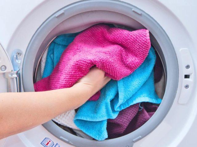 Догляд за різними видами тканин: як правильно прати, сушити і прасувати натуральні, штучні та синтетичні тканини?