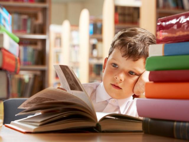 Які книги читати дітям: список літератури за віком