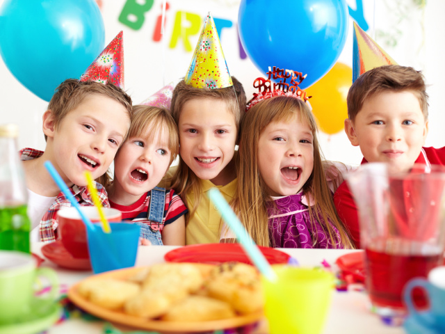 Найкращі ігри та конкурси для дитячого свята, Дні народження: опис для проведення. Як весело провести дитяче свято, День народження без аніматора, в домашніх умовах: дитячі розваги, ігри та конкурси для дітей, підлітків і дітей, поради