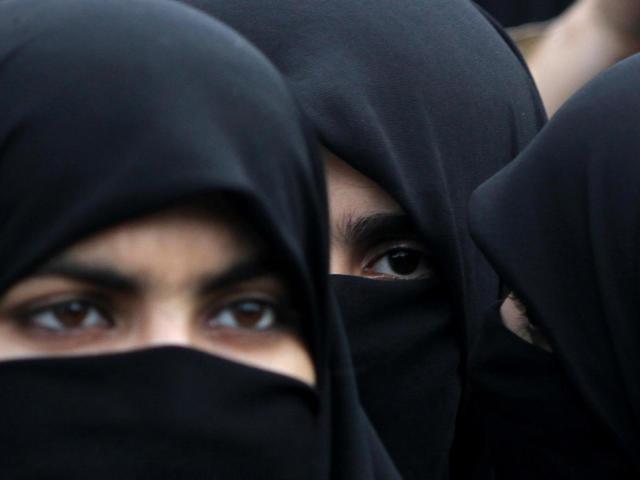 Що таке хіджаб у мусульман? Як гарно і швидко зав'язати хіджаб на голову мусульманці: інструкція, фото і відео. Як правильно одягати і носити хіджаб? Красиві дівчата в хіджабі, весільний хіджаб: фото