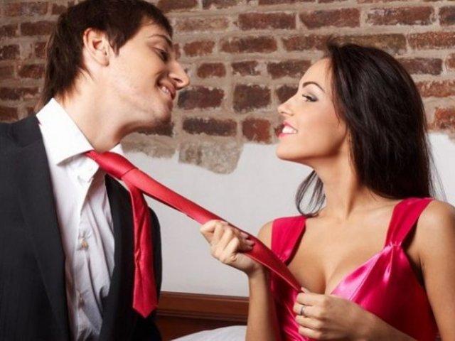 Ніколи не бігайте за чоловіком, нехай він бігає за вами: поради для дівчат і жінок, закохати в себе і утримати хлопця, чоловіка. Чому справжня жінка не бігає за чоловіком, чому чоловіки не люблять, коли за ними бігають? Як перестати чіплятися за чоловіка