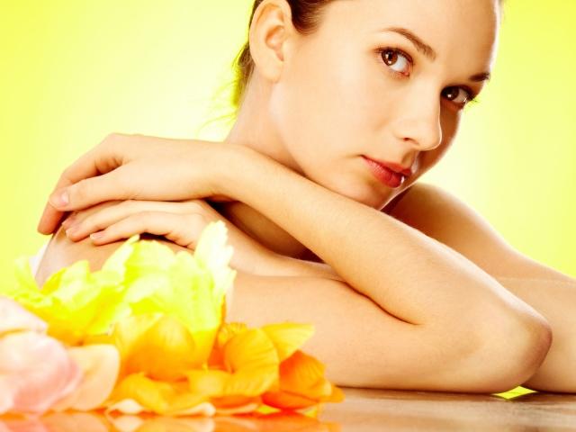 Чому шкіра на ліктях лущиться, тріскається і сохне? Лікування і догляд за шкірою на ліктях