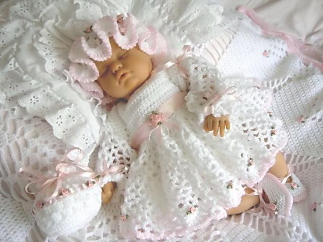 Дитячі костюмчики для новонароджених хлопчиків і дівчаток спицями: схеми з описом, фото. Як зв'язати костюмчик для новонародженого, немовляти спицями для початківців: схема, майстер-клас. Кращі костюмчики для новонароджених спицями: ідеї, фото