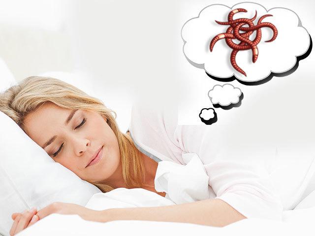 Сонник – бачити в сні хробаків: значення сну. До чого сняться черв'яки білі, чорні, червоні, земляні, маленькі, великі, довгі, живі, вылезающие, дощові, в тілі, їжі, у роті, землі, рибі, під шкірою, глисти, опариші дівчині, жінці: тлумачення сну