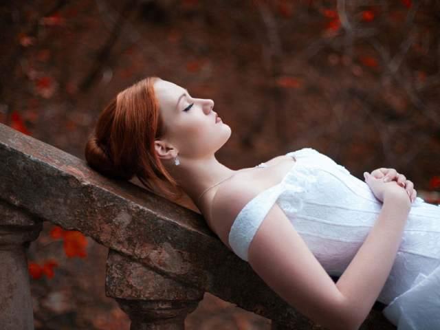 Як побачити віщий сон: способи. Замовляння, молитва на віщий сон, на дзеркало, воду. Як зробити, щоб приснився віщий сон, майбутнє? Як дізнатися своє майбутнє у сні?