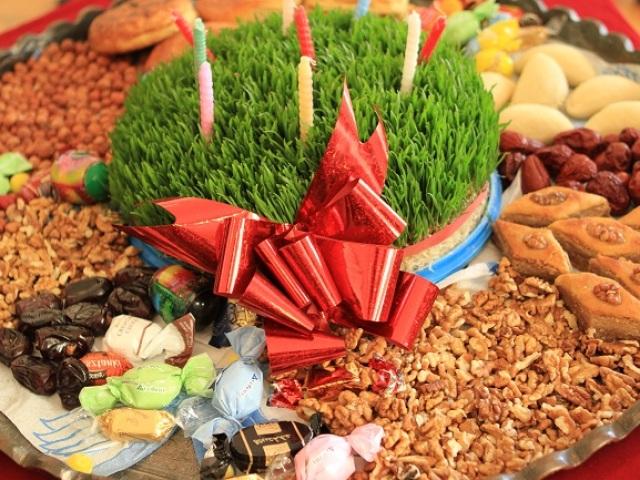 Що означає свято Навруз Байрам, коли його відзначають, що дарують, які страви готують? Які народи і країни святкують Навруз Байрам? Поздоровлення на свято весни Навруз Байрам 21 березня і сценарій свята. Як проростити пшеницю для Навруза?